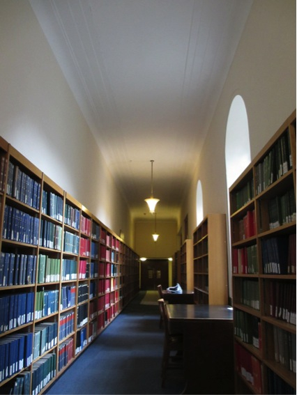 120912_library1